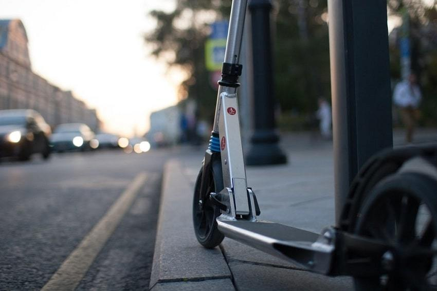 Micro Scooter Commuting